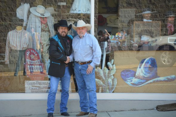 'Gentleman Outlaw' Royal Wade Kimes and Buckaroo Hatters Sign Full Endorsement